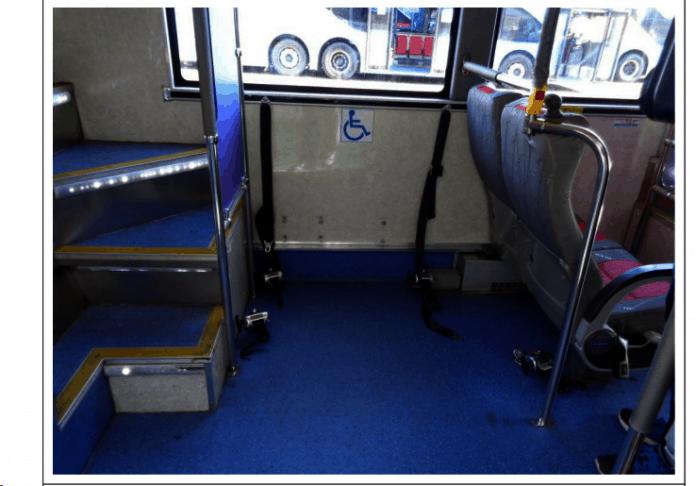 해당 사건 버스의 교통약자용 좌석 설치 공간/사진=장애우권익문제연구소