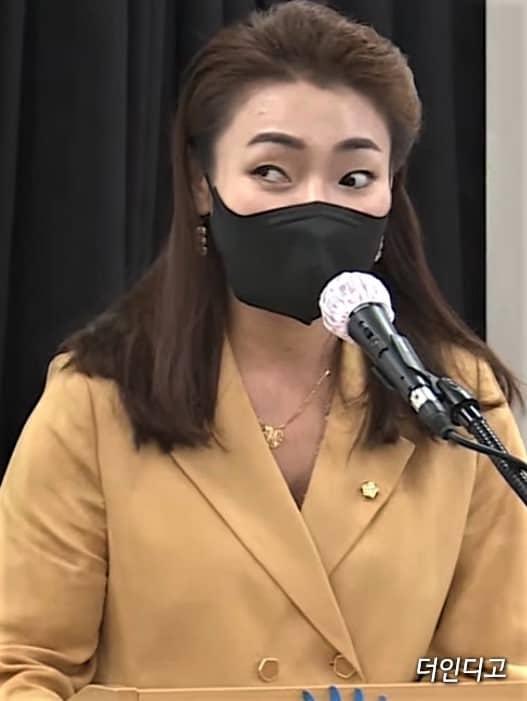 ▲김예지 의원의 10일 본격적인 토론에 앞서 기조연설을 하고 있다. ⓒ더인디고