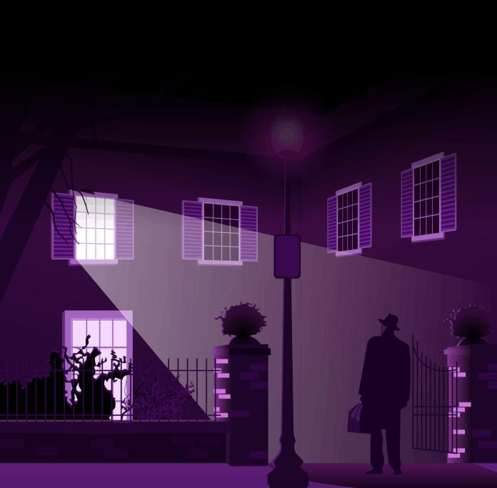 어둠이 내린 건물 입구에 한 남자가 서 있다./사진=픽사베이